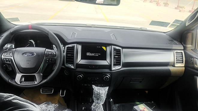 noi-that-xe-ford-ranger-raptor-2021-muaxe-net