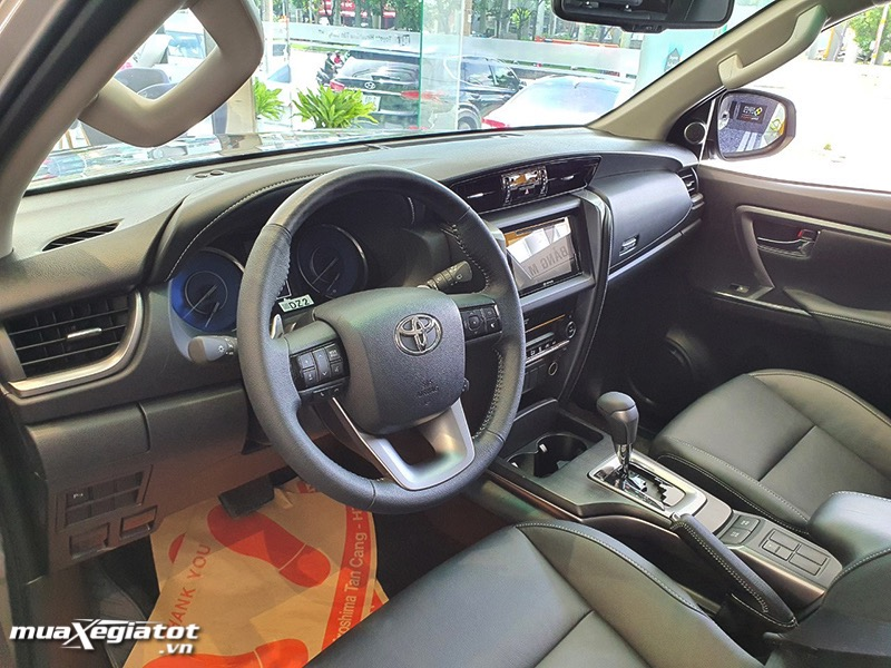 vo-lang-xe-toyota-fortuner-2021-toyota-tan-cang-muaxegiatot-vn-13