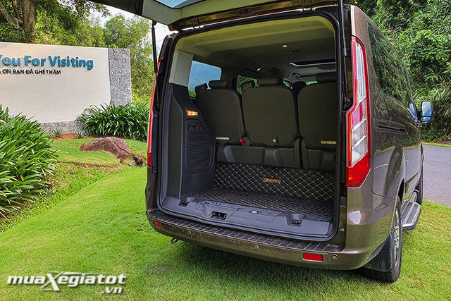 3-cop-xe-ford-tourneo-2020-2021-muaxegiatot-vn