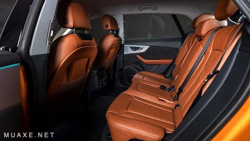 Khoang-hanh-khach-xe-Audi-Q8-2021-TFSI-55-quattro-MUAXE-NET