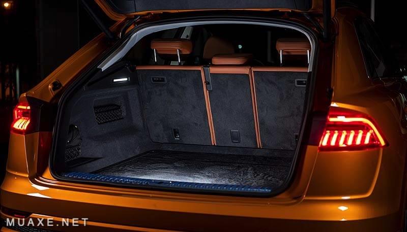 Khoang-hanh-ly-xe-Audi-Q8-2021-TFSI-55-quattro-MUAXE-NET