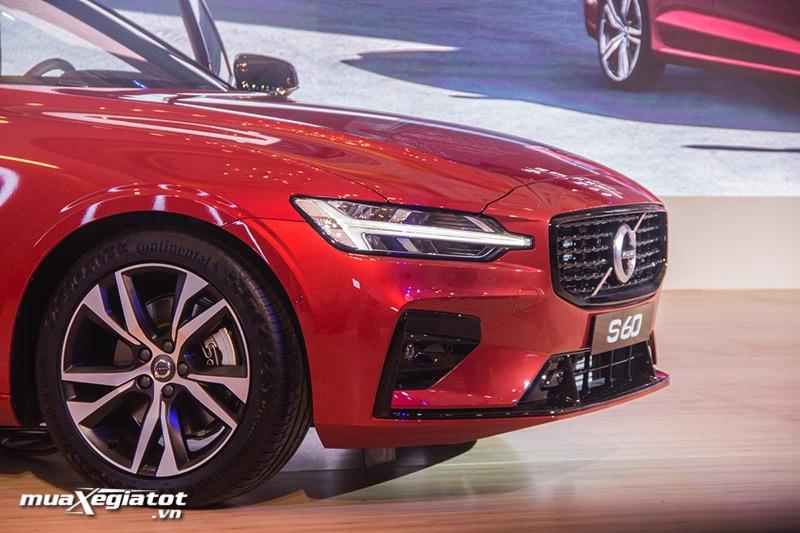Dau-xe-Volvo-S60-R-Design-2021-Muaxe-net-blog