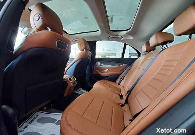 ghe-hanh-khach-xe-mercedes-e300-amg-2020-muaxegiatot-vn