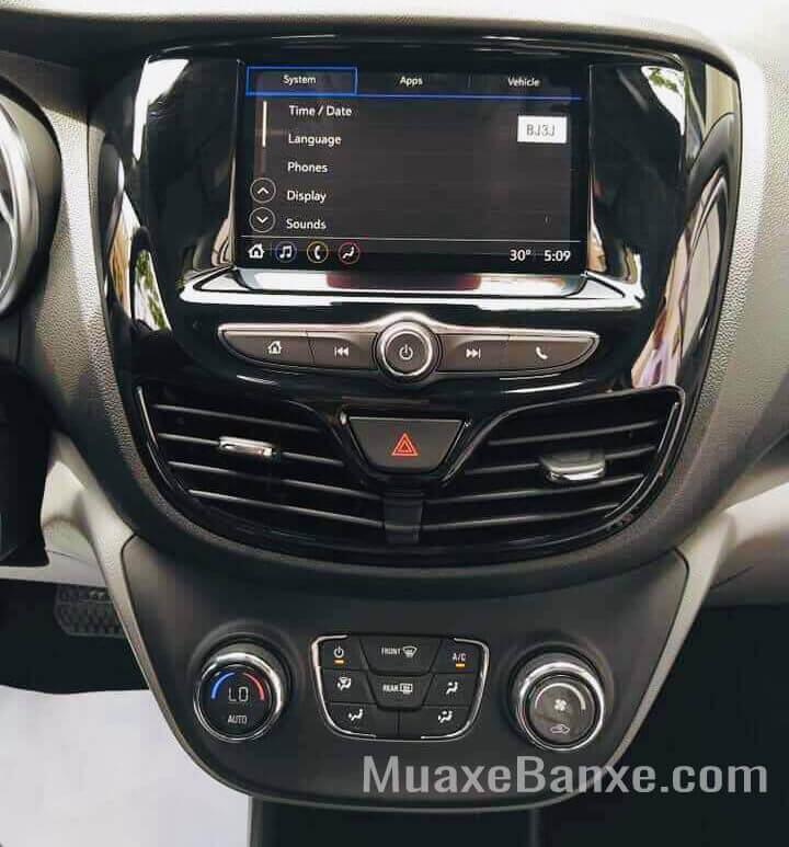 tien nghi vinfast fadil 14l 2021 2022 muaxegiatot vn 5 - So sánh Vinfast Fadil và Kia Morning (2 bản cao cấp) - Cuộc chiến giữa các mẫu xe Hatchback giá rẻ